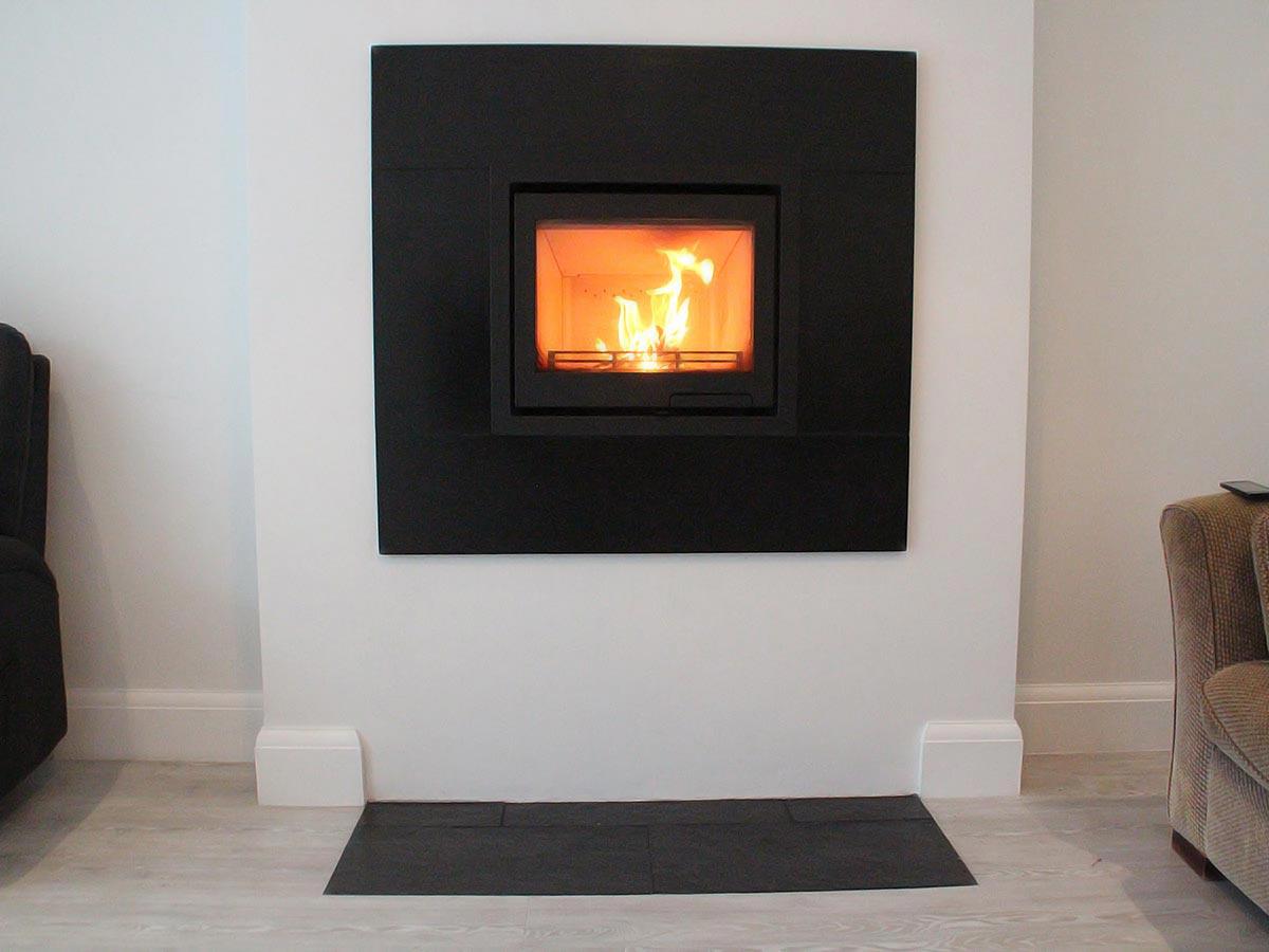 Contura i6 log burner with slate trim
