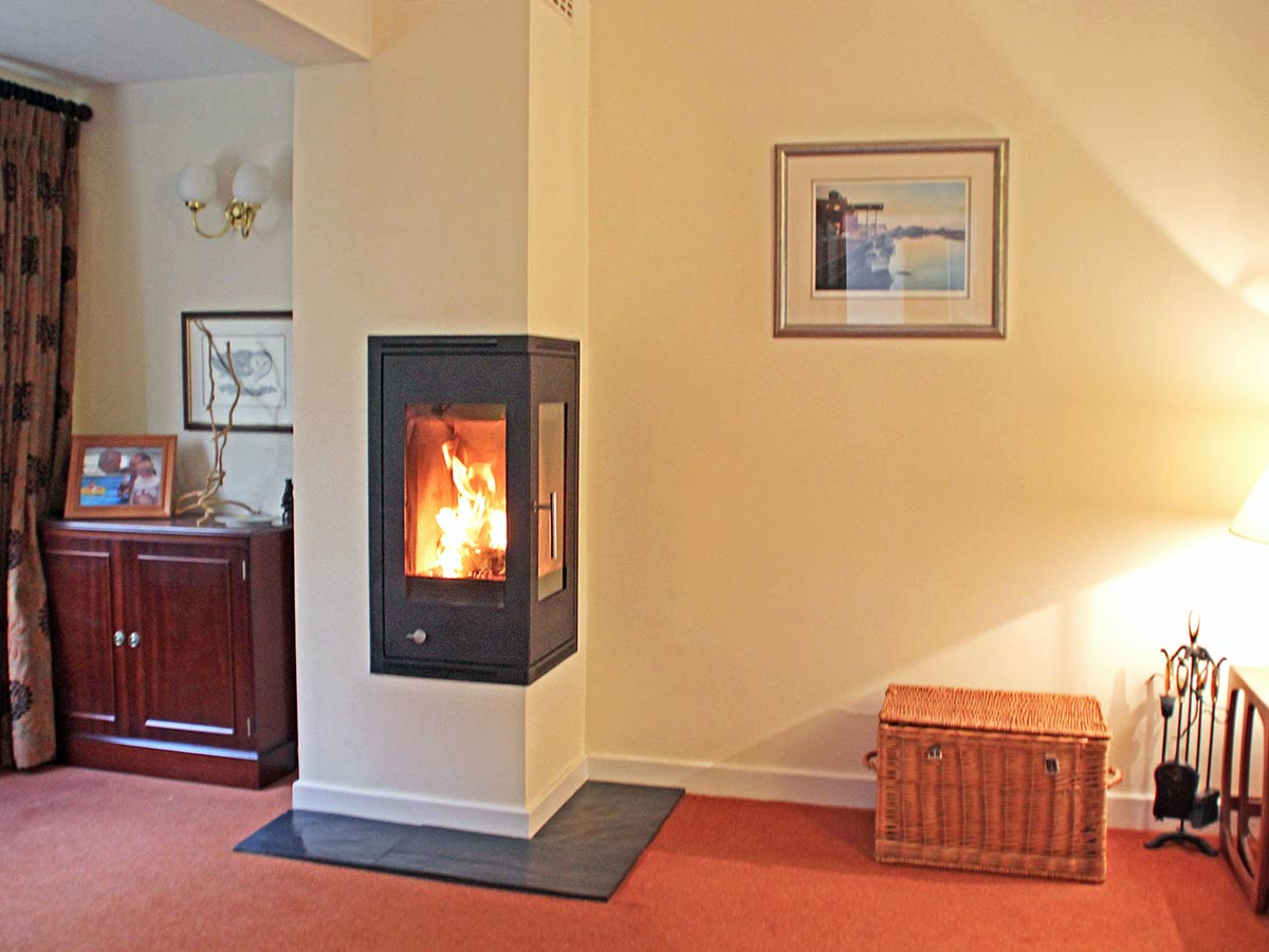 Rais Q-Be wood stove install