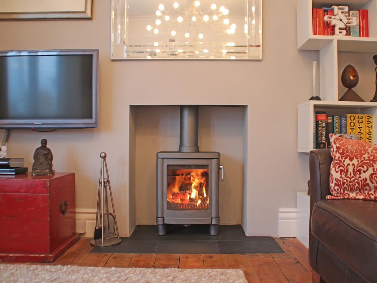 Contura 51L in plain fireplace