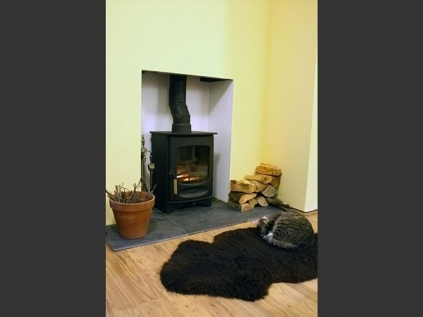 plain fireplace chamber with charnwood c four