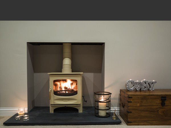 Almond c 5 stove in plain chamber